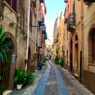 Final photo of #bosa #sardinia and these are the streets of the old town. It's a shame I only got to this side of the island towards the end of my trip and certainly if I ever come back I will head straight for this part.  🚗 🏝 ☀️  #themadwomanintheattic #girlswhotravelsolo #girlslovetravel #sardiniaroadtrip